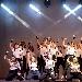 Un unione tra terra e cielo emana luce con le sue anime danzanti in 11:11, uno show della compagnia di danza R.A.C.E
