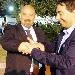 Adriano Casolaro consegna la forchetta bracciale a Lopa - - - Fotografia inserita il giorno 27-07-2017 alle ore 19:59:01 da luigi