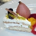 Bavarese al mascarpone, crema al pistacchio e pera cotta al vino rosso - - - Fotografia inserita il giorno 20-05-2006 alle ore 18:58:06 da maxmangano