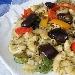 Insalata di pasta fredda con verdure