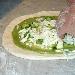 Pizza con broccoli, fior di latte, peperone crusco e formaggio mandarone