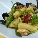 La Ricetta del giorno del 04/02/2018 inserita su spaghettitaliani.com da Michele Mazzola: Le Maruzze: Pasta con cozze, pomodorini confit e peperoncini di fiume