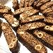 Il Natale di Pandiseta Bakery è con i Setacciò, biscotti artigianali con miele, cioccolato, mandorle, nocciole e amarene.