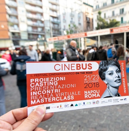 CineBus, in migliaia al festival cinematografico on the road tra Napoli e Roma (  )